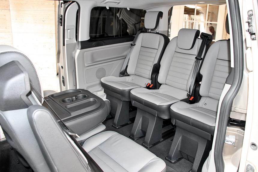 Салон Tourneo Custom в конфигурации «купе»