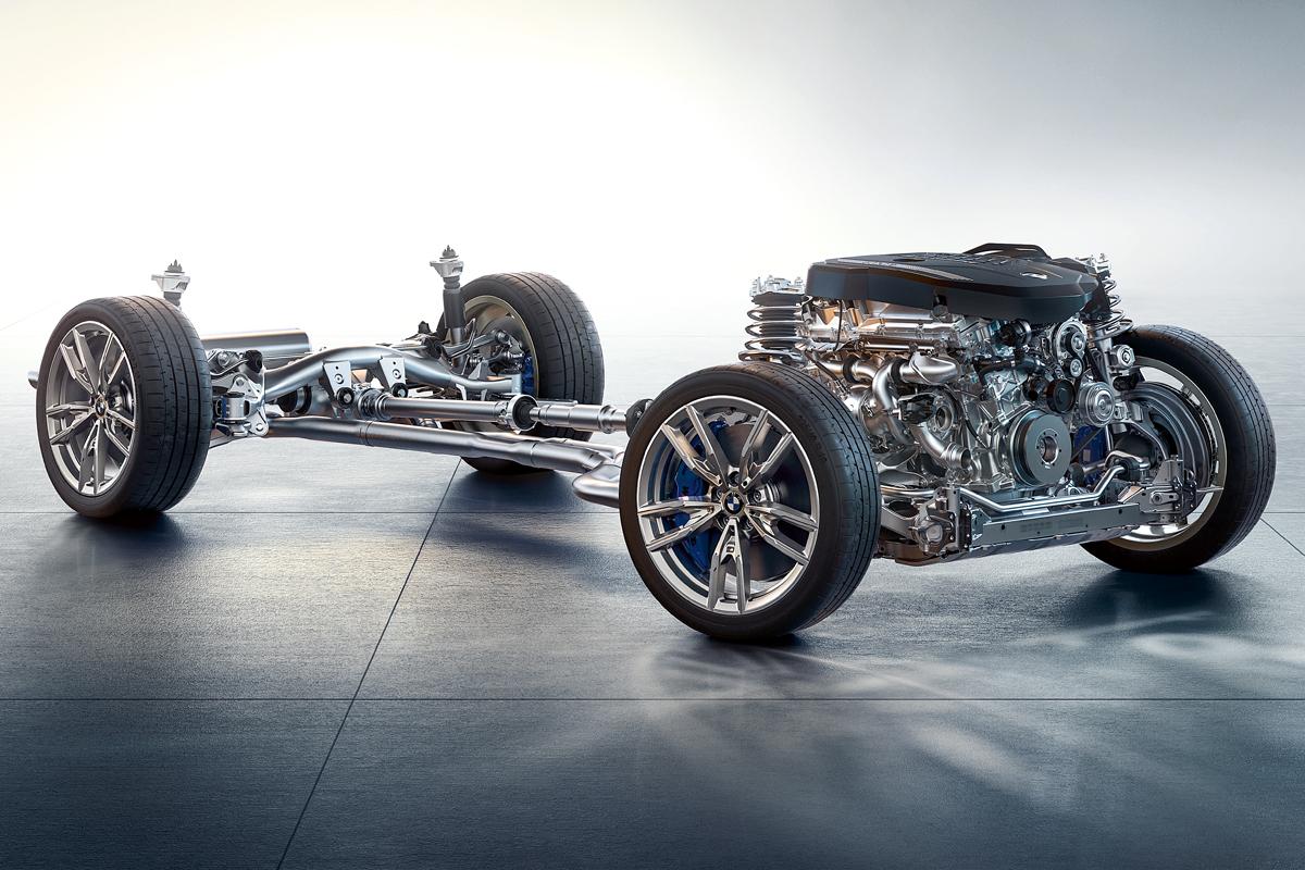 Самое совершенное шасси новой тройки — М340i. Полноприводная трансмиссия хDrive в паре с блокировкой заднего дифференциала, электронноуправляемые амортизаторы и заниженные М-пружины, которые впервые доступны для полноприводных троек. Инженеры говорят это связано с расширением колеи, мол, углы работы приводов передних колес стали безопаснее