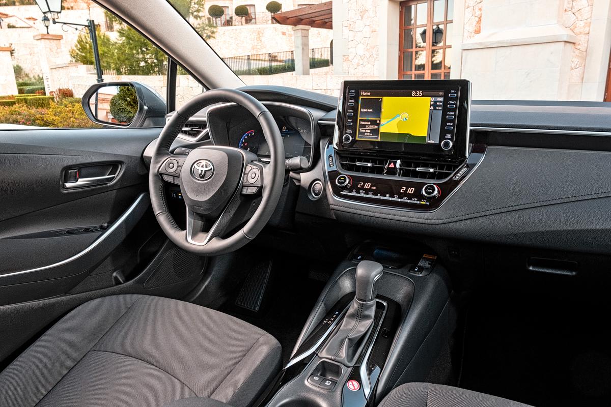 Toyota Corolla: чем порадует мировой бестселлер на дорогах Майорки?