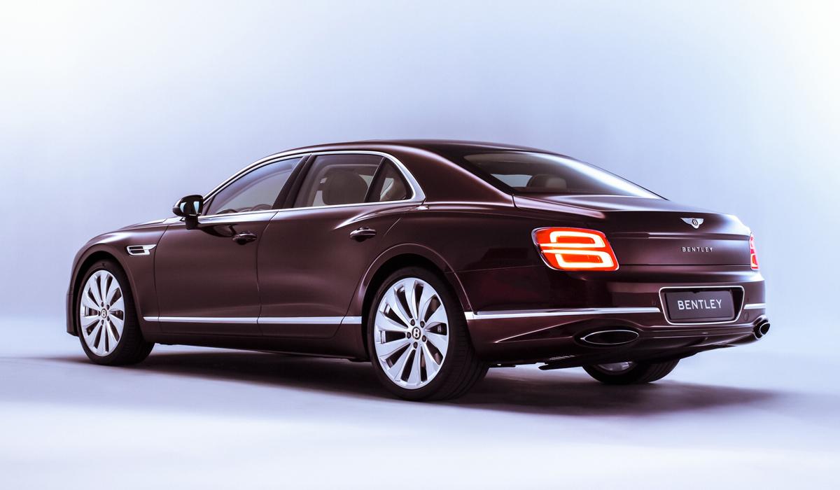 Представлен седан Bentley Flying Spur нового поколения