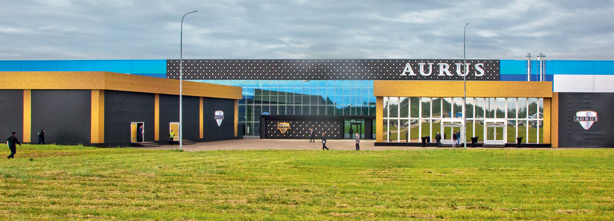 Илья Хлебушкин познакомился с массовым производством автомобилей Aurus. Что у них общего с фургонами Ford Transit?