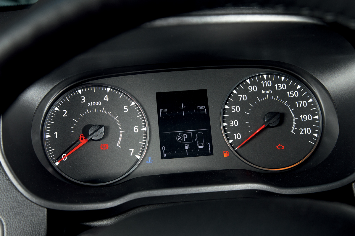 Renault Duster: покупать или нет? Девять рецензий журналистов Авторевю